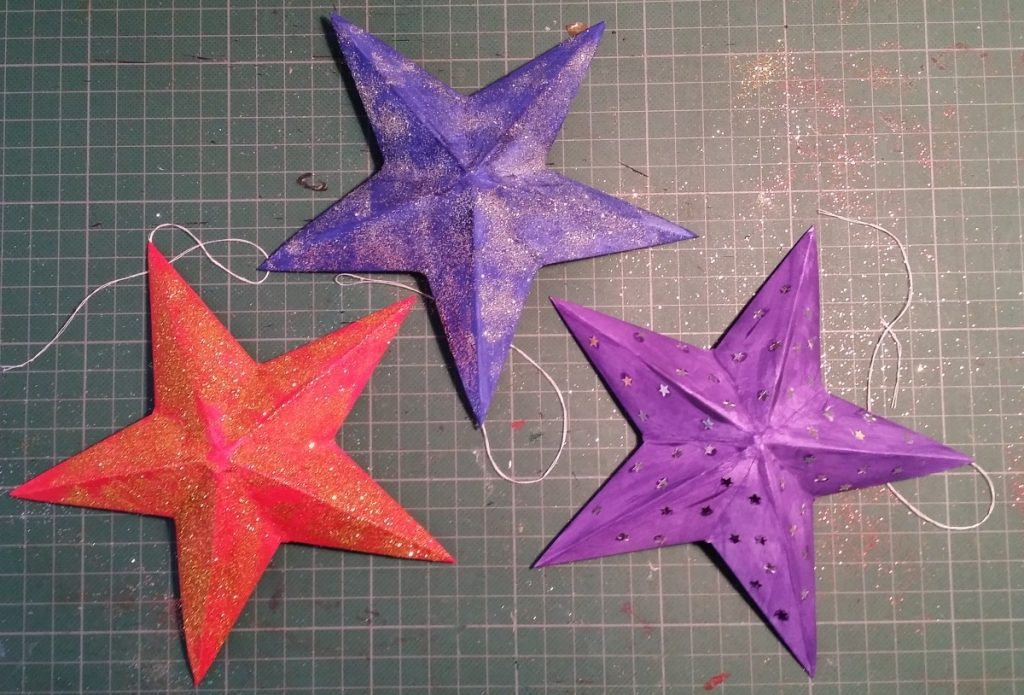 Decorating the Christmas Stars.