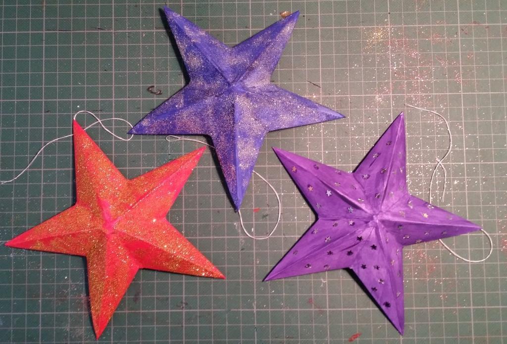 Decorating the Christmas Stars.